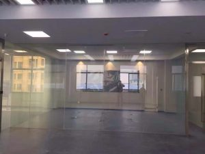 switchable glass partition on