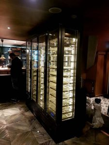 electrically heated glass dor  food display