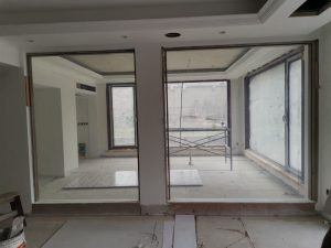 privacy switchable glass on